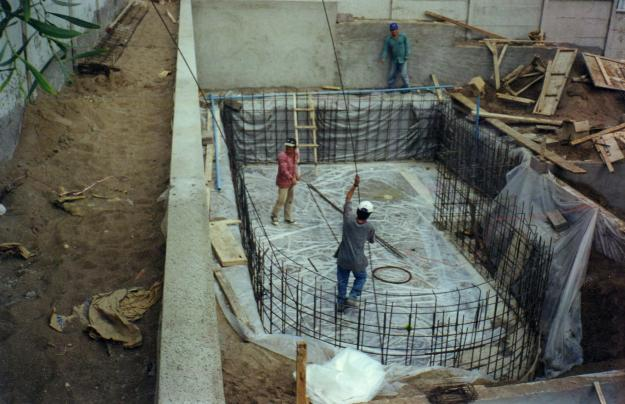 Construccion de piscinas picture to pin on pinterest for Piscinas de hormigon armado construccion